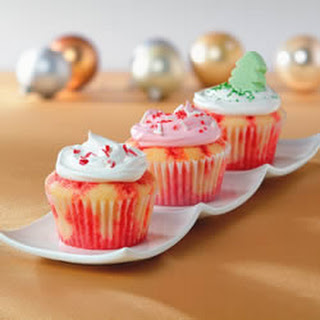 Holiday Poke Cupcakes.