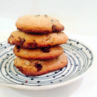 Paleo Chocolate Chip Cookies (Grain-free, Dairy-free, No refined sugar).