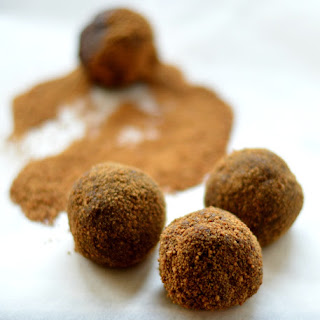 Chocolate Gingerbread Balls | Healthy Christmas Cookies