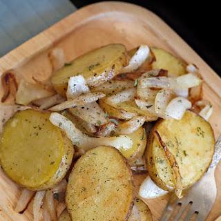 Pommes de Terre à la Lyonnaises (Potatoes Lyonnaise)