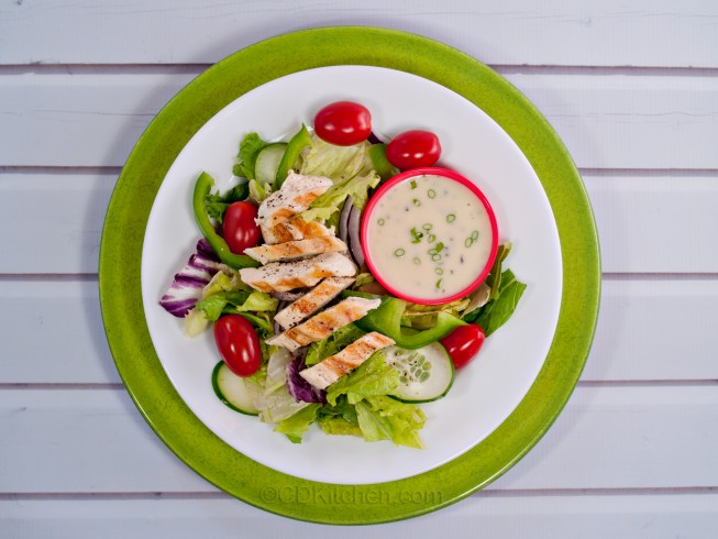 Tossed Green Salad with Chicken and Crushed Black Pepper Recipe