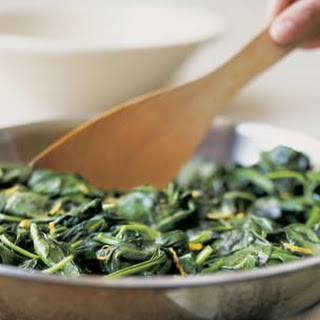 Stir-Fried Spinach with Garlic and Lemon Zest