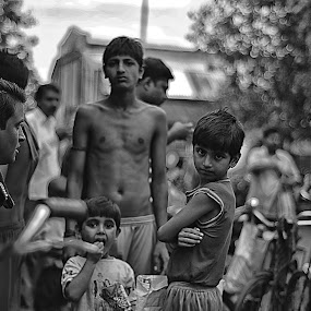 Street Peoples by Soham Banerjee - People Street & Candids
