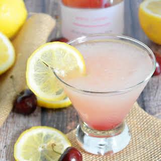 {Skinny} Cherry Vodka Lemonade Slushies.