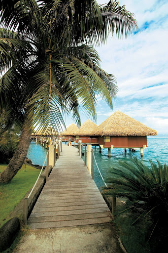 Tahiti_bungalows_Paul_Gauguin_2 - The Paul Gauguin takes you to the InterContinental Resort Tahiti, the perfect place to spend a day in paradise.