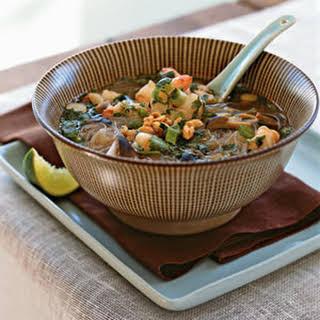 Tom Yum Goong (Spicy Thai Shrimp Soup).