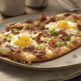 Breakfast Naan Pizza.