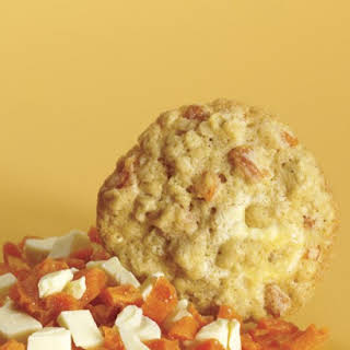 Oatmeal Cookies with Dried Apricots and White Chocolate.