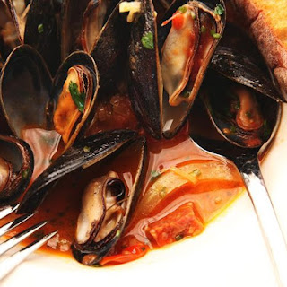 Mussels with Fennel-Saffron Broth