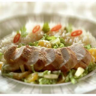 Currykip met Chinese kool-fruitsalade