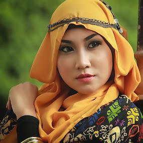 beauty hijab by Puguh Gumilang - People Fashion ( muslim, model, fashion, hijab, close up,  )