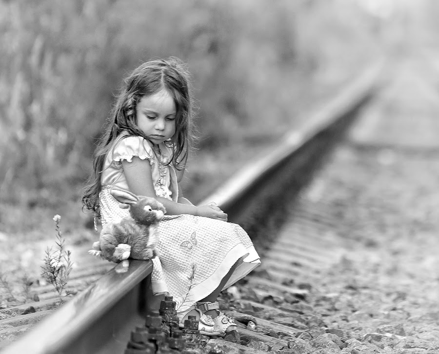 At the beginning of a long journey... by Roman Mordashev - Babies & Children Children Candids ( children portrait, girl, black and white, roman mordashev photography, children candids, at the beginning of a long journey..., portrait )