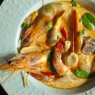 Creamy Tom Yam Kung (Thai Hot and Sour Soup with Shrimp)