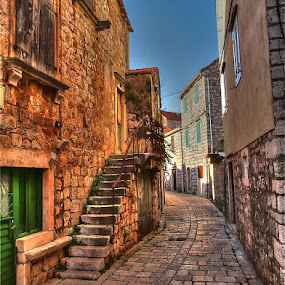 by Petar  Botteri - City,  Street & Park  Neighborhoods (  )