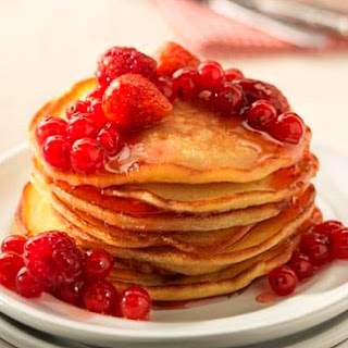 American Pancakes with Fruits & Honey