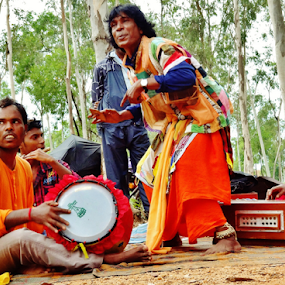 by Projit Roy Chowdhury - People Musicians & Entertainers