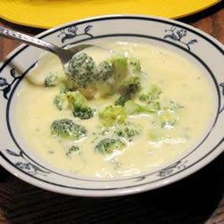 Creamy Cheese and Broccoli Soup Recipe