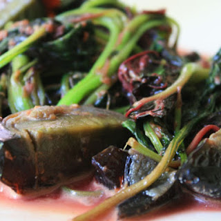 Boiled Greens with Preserved Duck Eggs