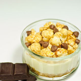 Vanilla Cheesecake with Sweet Popcorn.