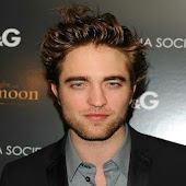 Robert Pattinson Pics + News