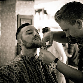 The Barber by Esther Visser - People Professional People (  )