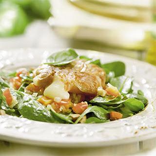 Salade Met Spinazieblaadjes, Gegratineerde Geitenkaas En Parmaham