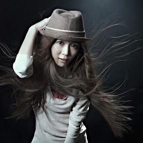 by Tim Kek - People Fashion ( studio, fashion, model, girl, art, people, women, hat,  )