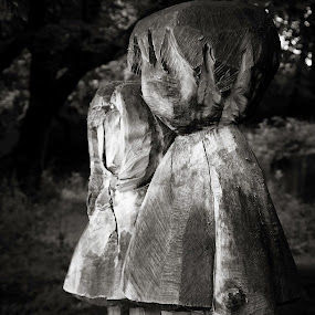 Babes in the wood by Gaz Haywood - Artistic Objects Other Objects ( sculpture, creepy, park, wood, children, mono )