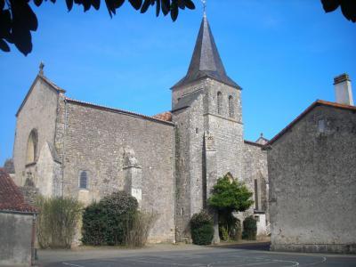 photo de Eglise de St Sulpice en Pareds