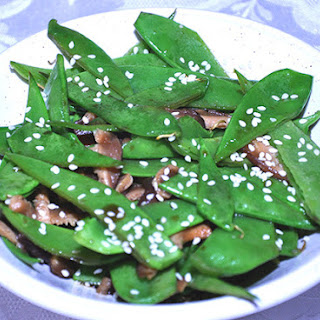 STIR FRIED SNOW PEAS WITH SHIITAKE MUSHROOMS