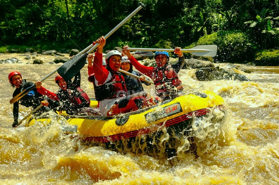 Yihaaaaa !!  Water Rodeo by OC Andoko - Sports & Fitness Watersports ( adventure, watersports, adrenaline, waterrodeo, rafting, river,  )