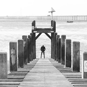 Really bad bnw of Jaevan...? by Joseph Stone - Black & White Portraits & People ( reallybad, rubbish, white, england, uk, pier, printscreen, sea, southend, jw, lol, lala, bad, bnw, boat, beach, berrr, black, modal,  )