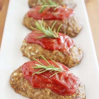 Mozzarella-Stuffed Italian Mini Meatloaves