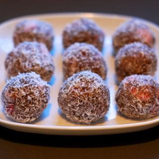 Primal Blueprint Nutty Strawberry Protein Balls.