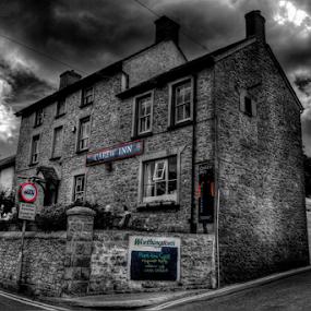 Carew Inn by Simon Eastop - Buildings & Architecture Other Exteriors ( inn, carew, pembrokeshire, pub, mono )