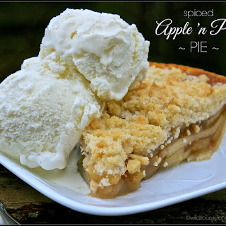 Spiced Apples 'n Pears Crumb Top Pie