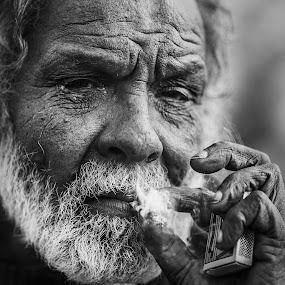 by MIhail Syarov - People Portraits of Men ( cigarette, white beard, b&w portrait, porttrait, beard )