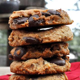 Paleo Dark Chocolate Chip Walnut Cookies.