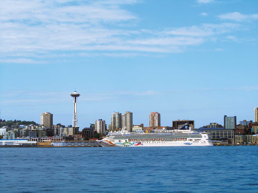Norwegian-Pearl-Aerial-Seattle - Get a great view of Seattle, one of the U.S. West Coast's most beautiful cities, from Norwegian Pearl.