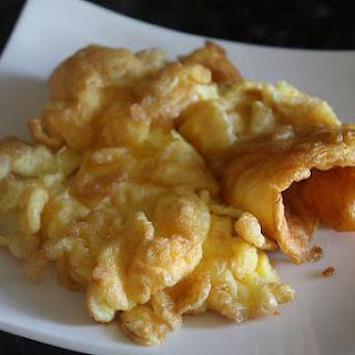 Thai-Style Omelets (Khai Jiao, Khai Jeow, Khai Jiaw, ไข่เจียว).