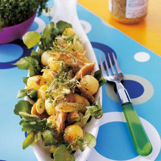 Aardappelsalade Met Waterkers, Gerookte Makreel En Mosterddressing