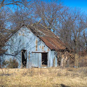 Old barn that caught my eye the other day. by Beckie Caughman - Buildings & Architecture Decaying & Abandoned (  )