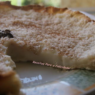 Sweet Rice Pie with Cinnamon and Coconut.