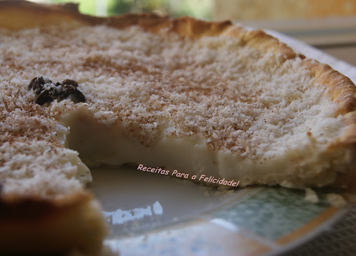 Sweet Rice Pie with Cinnamon and Coconut