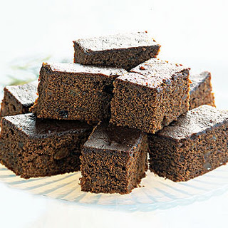 Rich and Sticky Gingerbread with Marmalade