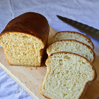 Milk Shokupan (Japanese Style White Sandwich Bread)