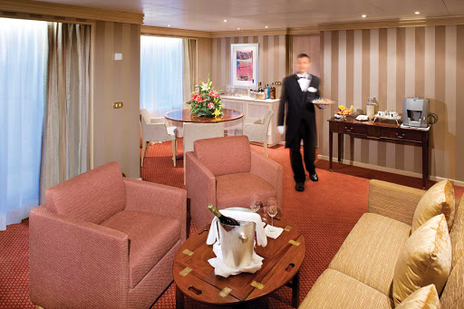 Silver_Wind_Owners_Suite - The Owner's Suite appeals to those who want the most luxurious stateroom aboard Silver Wind. It features a large teak veranda, living room, separate dining area and bar, and a well-appointed bathroom.