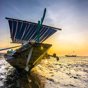 Blues by Yossy Ryananta - Transportation Boats ( mud, blue, traditional, boat, morning )