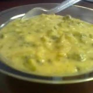 Crock Pot Broccoli Cheese Dip.