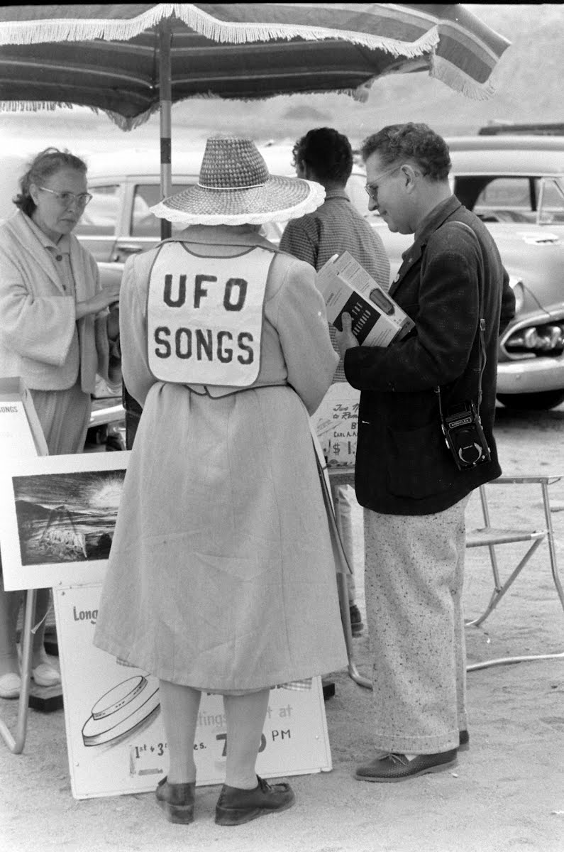 Flying Saucer Convention
